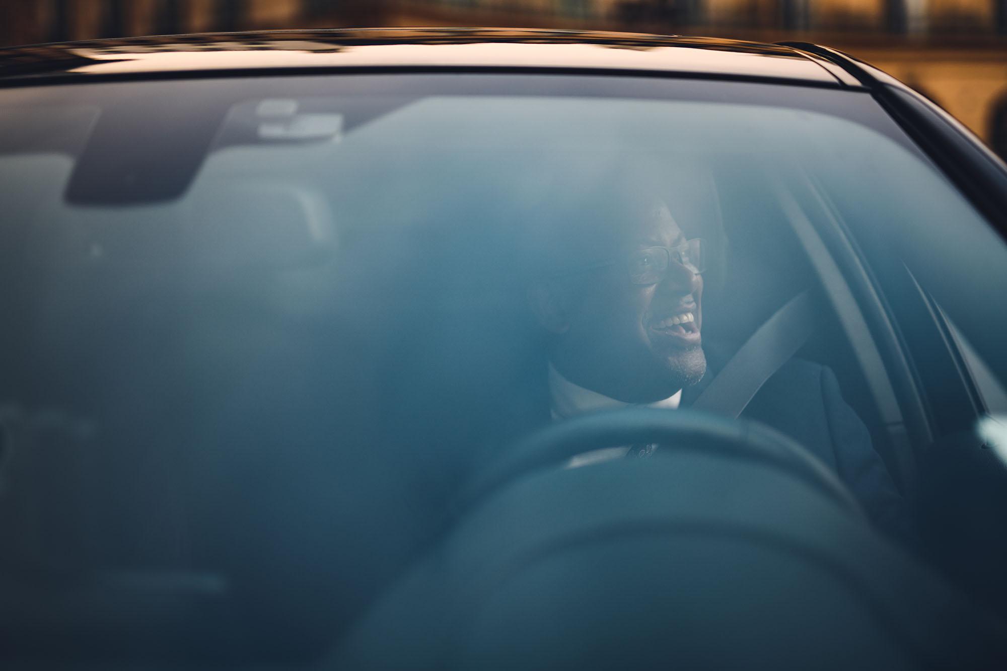 Chauffeur VTC dans son véhicule