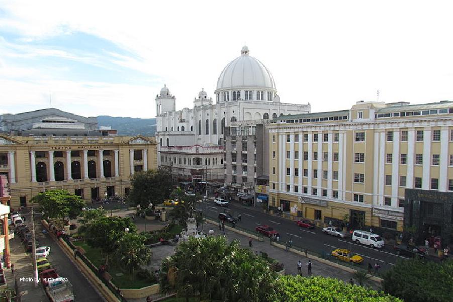 Vista del Centro Histórico de San Salvador