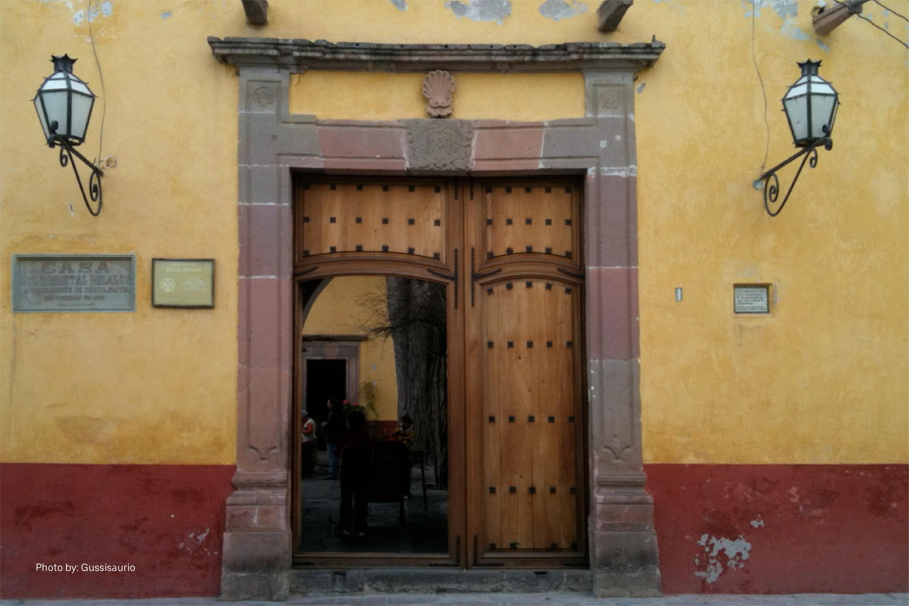 La puerta antigua del Museo Histórico Casa de Hidalgo