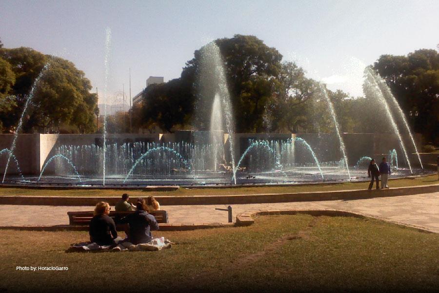 Fuentes en la Plaza Independencia