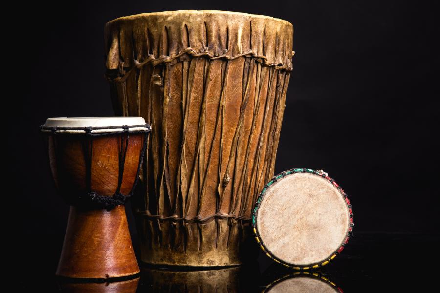 Instrumentos en el Centro Musical Criollo José Ignacio Quintón