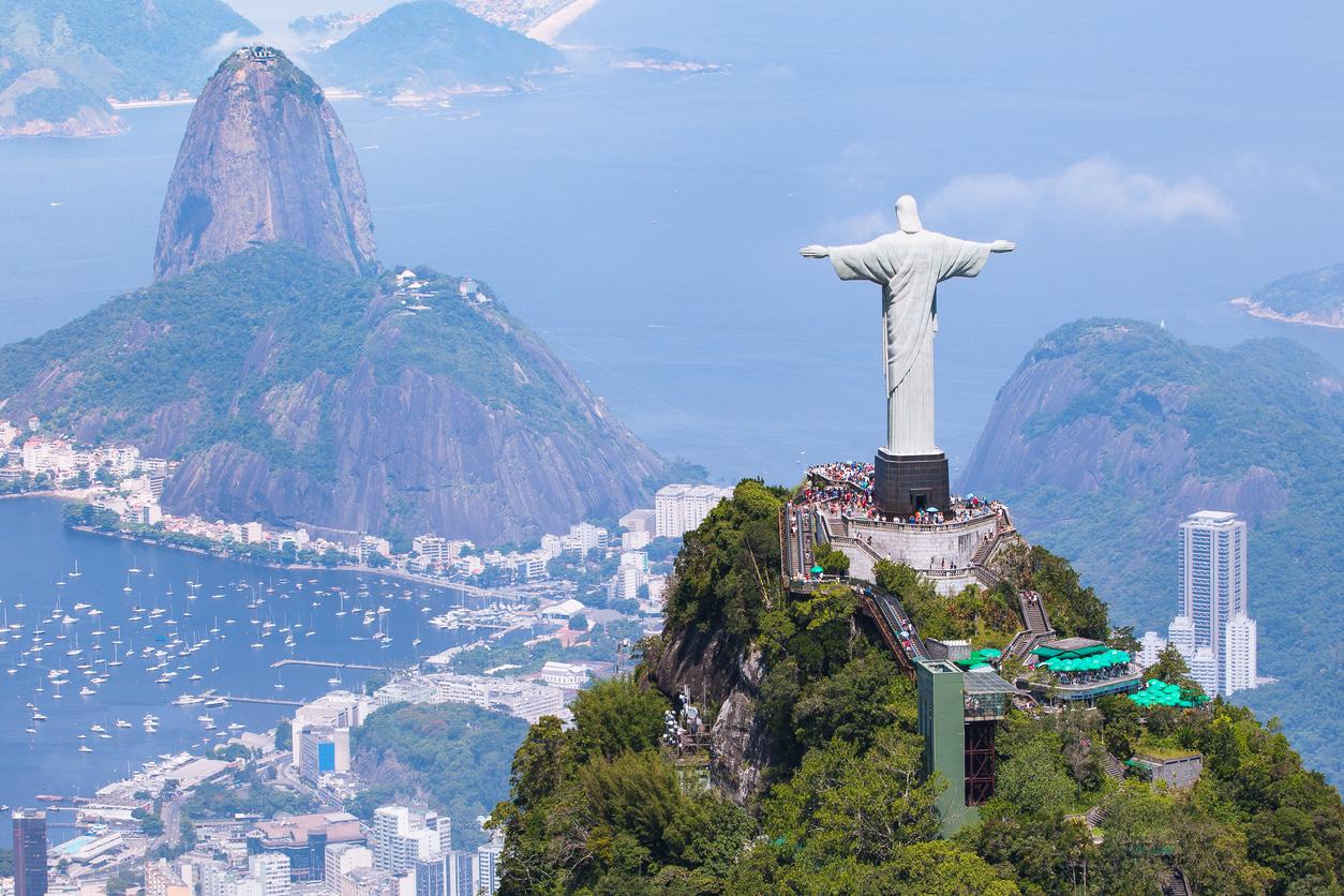 Vista aérea do Rio de Janeiro - Cristo Redentor