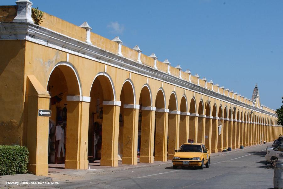 Arcos frontales del Cuartel de Bóvedas