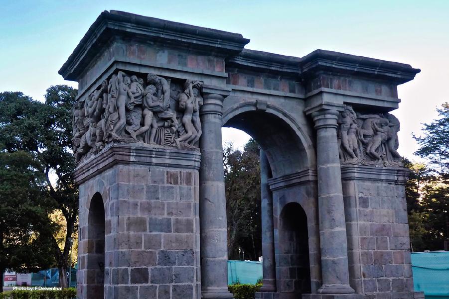 Puerta de la Circasiana en Quito