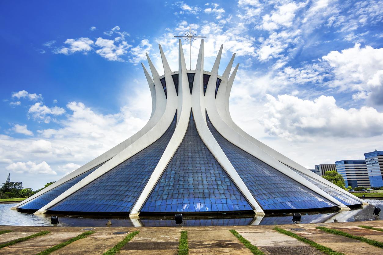 Arquitetura da Catedral de Brasília, no Brasil.