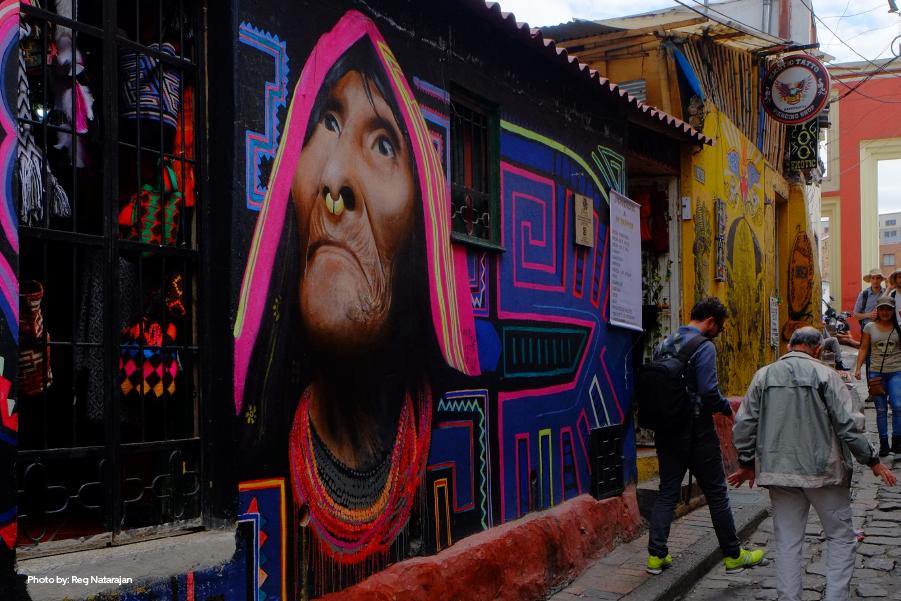 Graffiti alusivo a tribus indígenas en La Candelaria