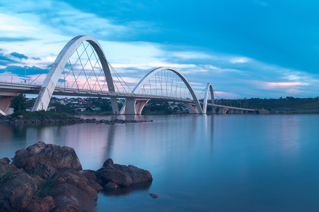 Estrutura da Ponte Juscelino Kubitsche, em Brasília, Brasil.