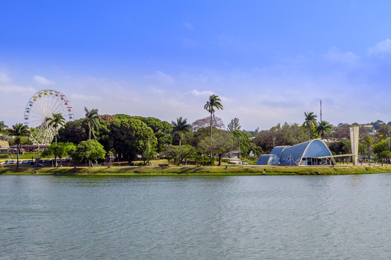 Roda gigante no Parque Guanabara em BH