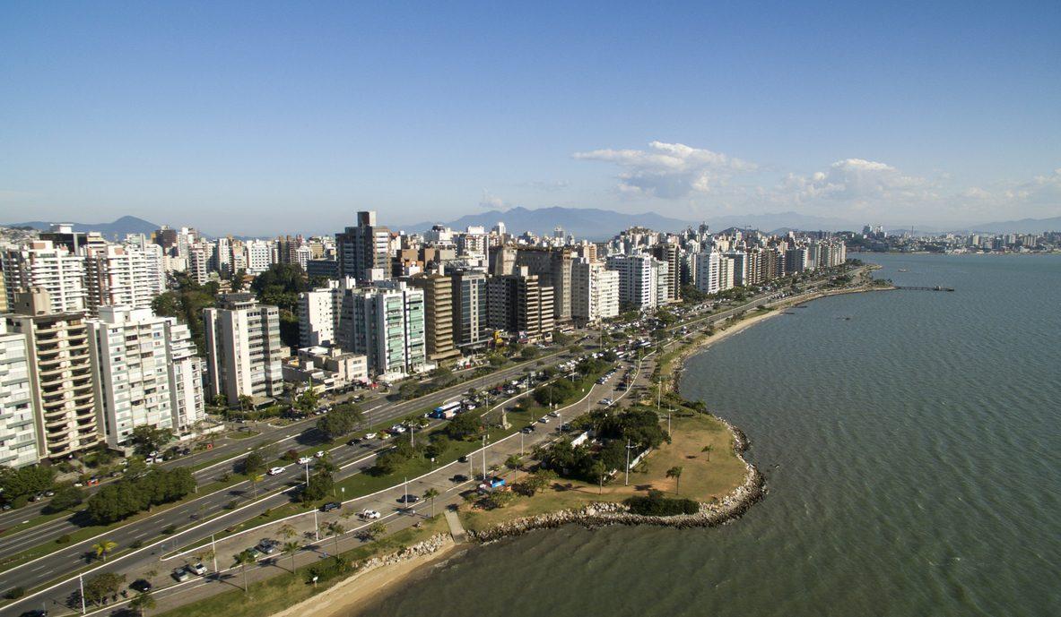 Costa de Santa Catarina, em Florianópolis, Brasil.