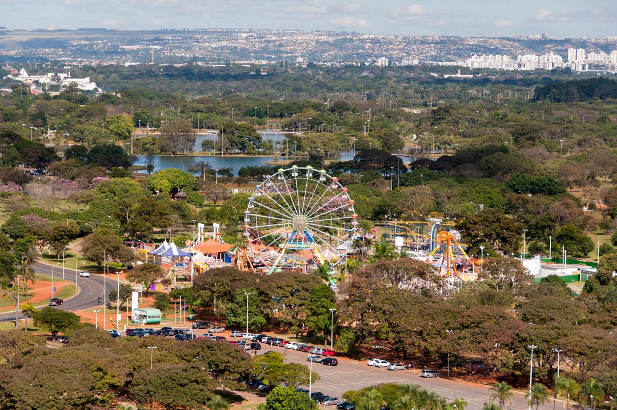Vista aérea da roda gigante de Brasilia, no Brasil.